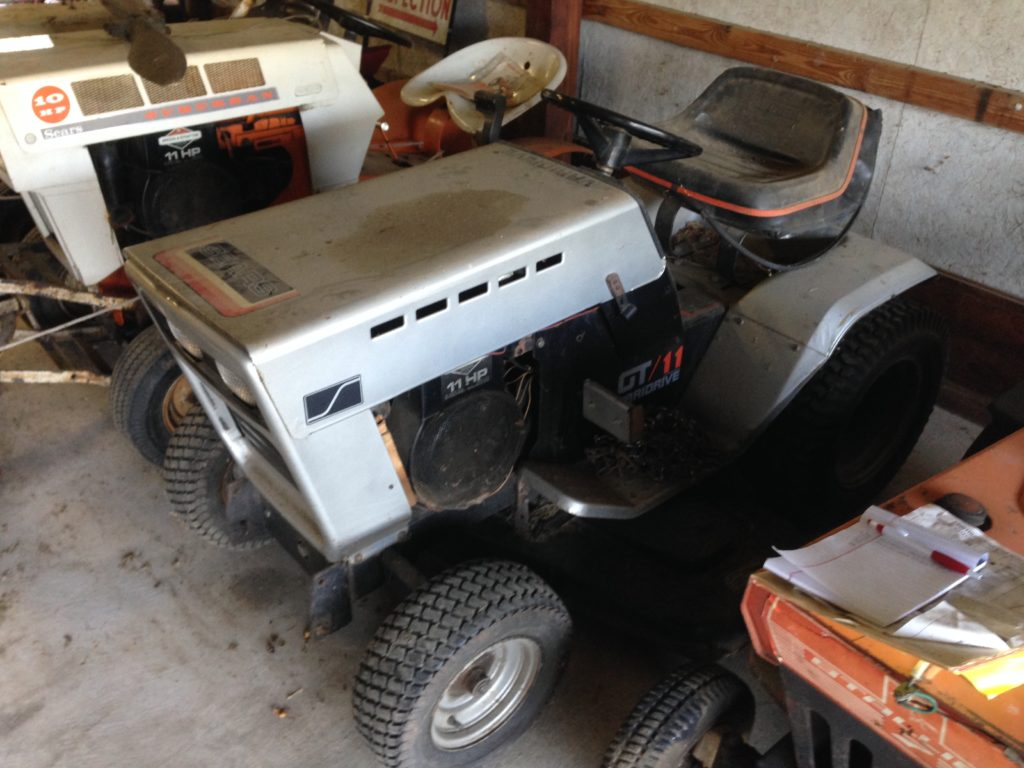 Vintage Sears GT/11 Varidrive Mower/SnowBlower (Runs - Drive Shaft broken) $500