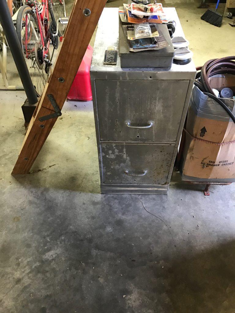 Vintage 2 drawer file cabinet $20