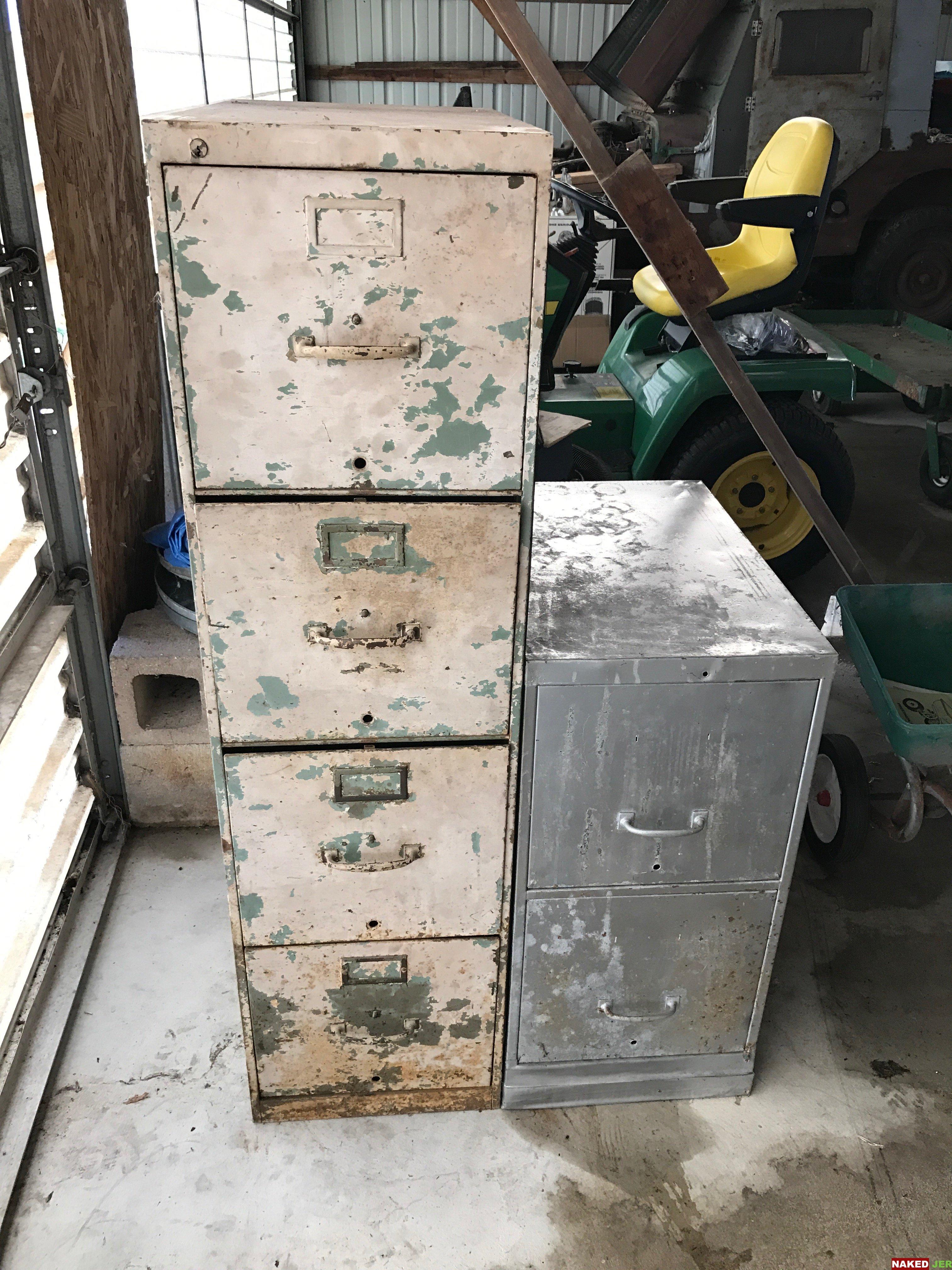Vintage 4 drawer file cabinet $30