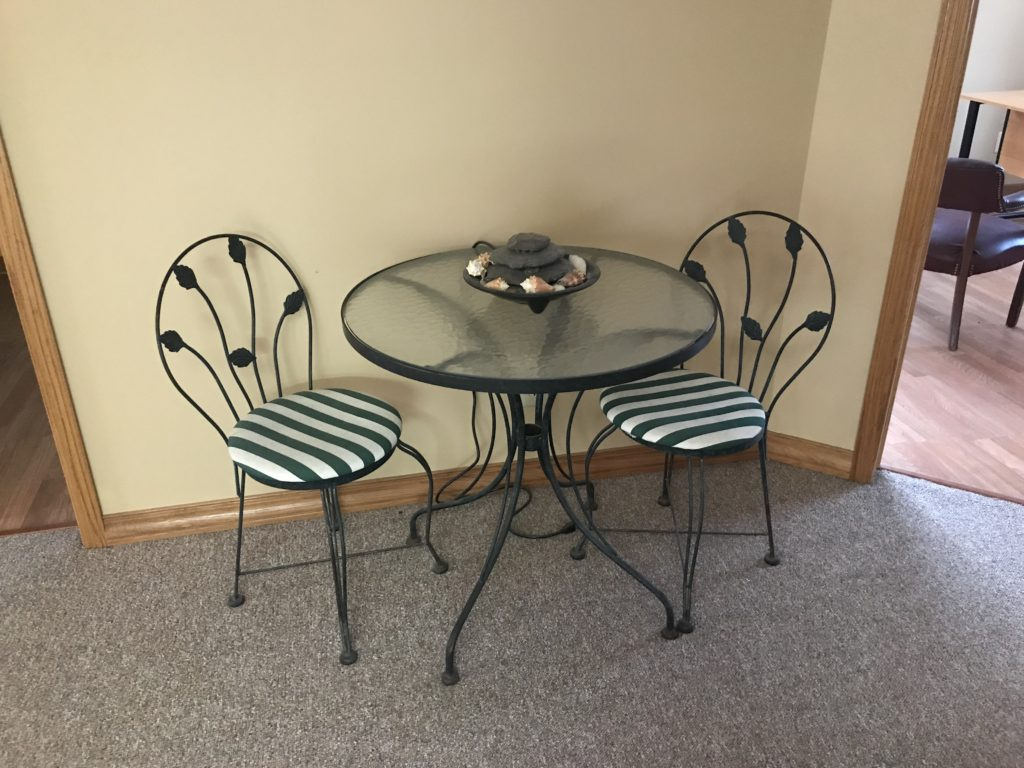 Glass top table/chairs