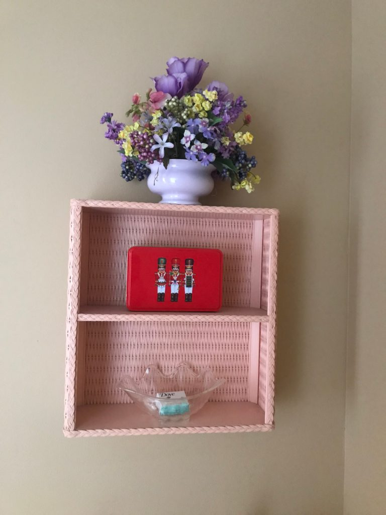 Decorative wall hanger